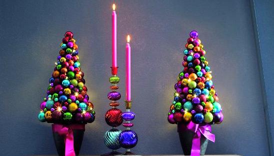 новогодняя елка из елочных шаров