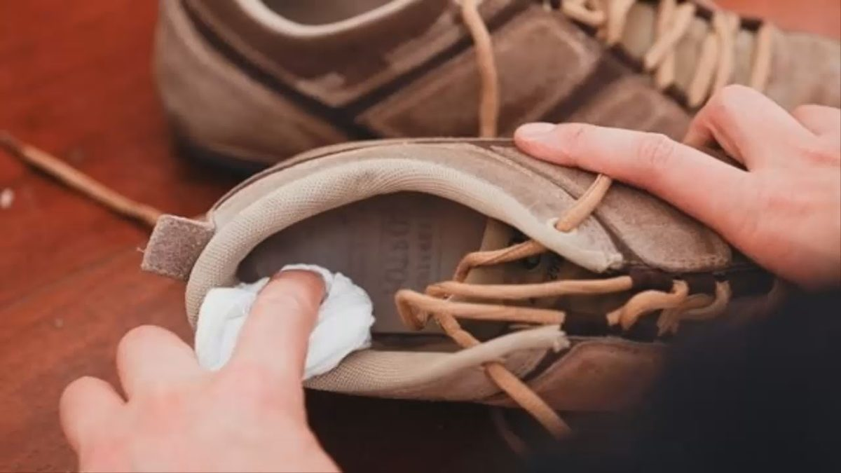 Как избавиться от запах в обуви в  839
