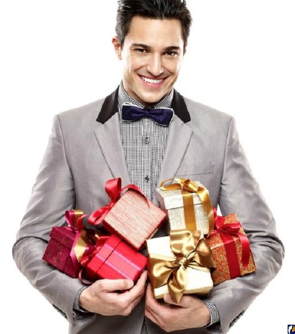 Парень подарок