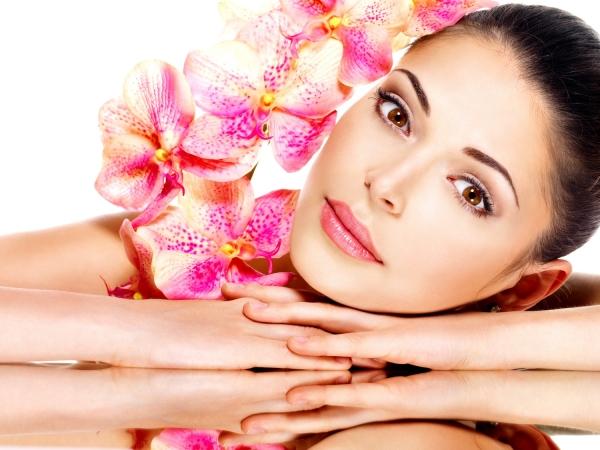 Как сделать кожу лица белой и бледной