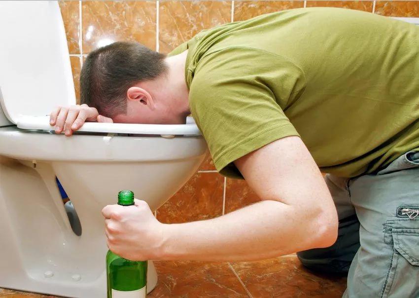 Как быстро протрезветь в домашних условиях при помощи рвоты