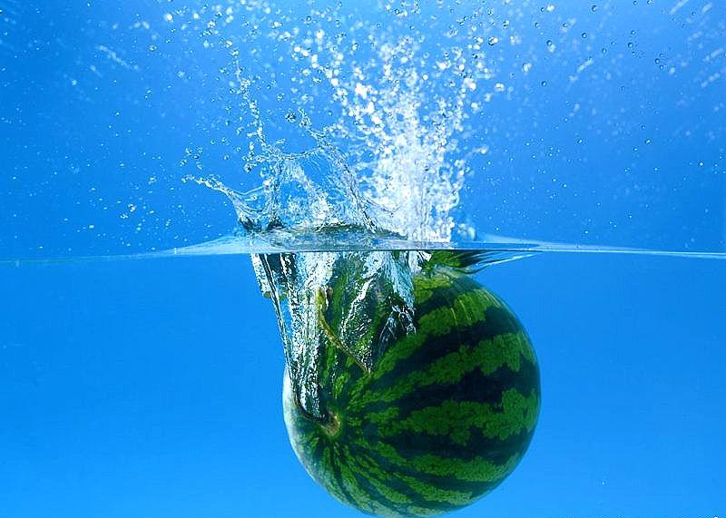 Хранение арбуза в воде