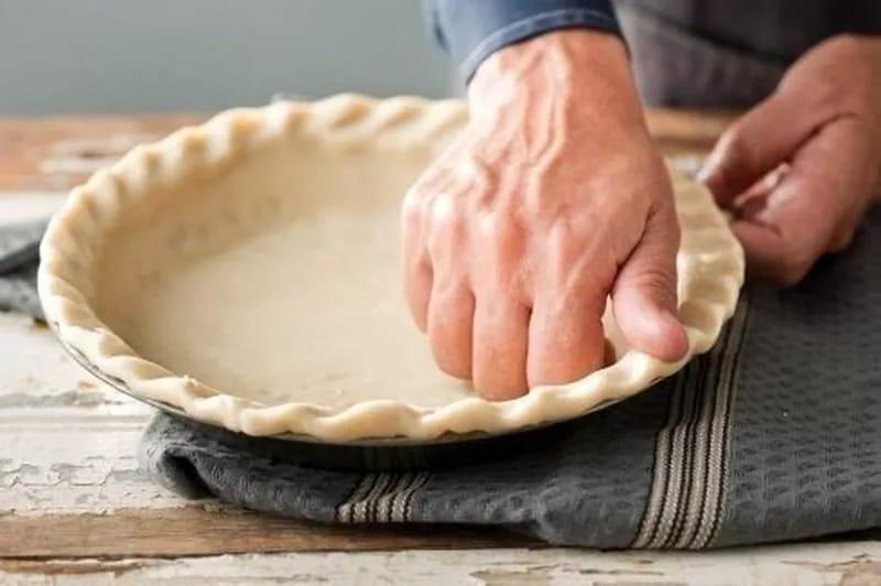 Узор по краям пирожка