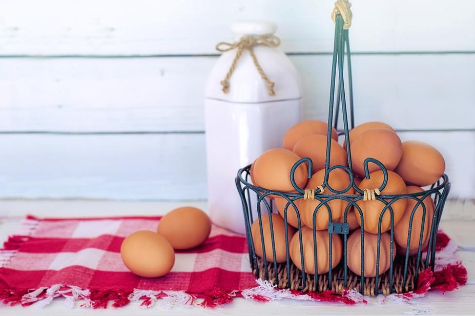 Главная «изюминка» классического «Цезаря» - яйца с оливковым маслом