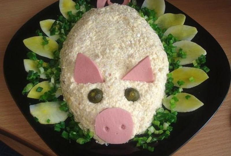Салат в виде свиньи на новый год
