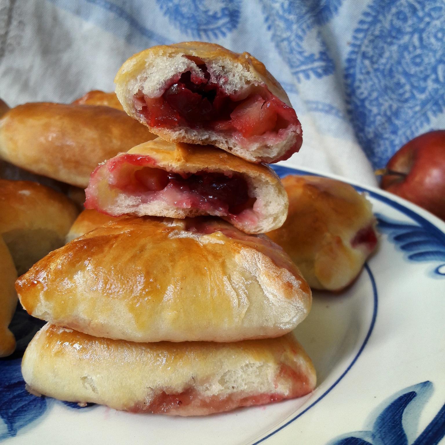 Сладкие пирожки в духовке