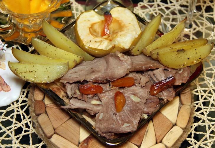 Запеченное в духовке филе может использоваться в качестве холодного блюда или закуски