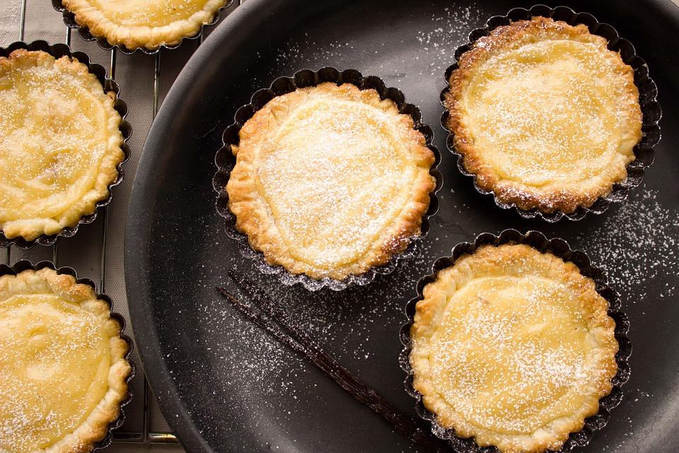 Как приготовить пудинг с яблоками