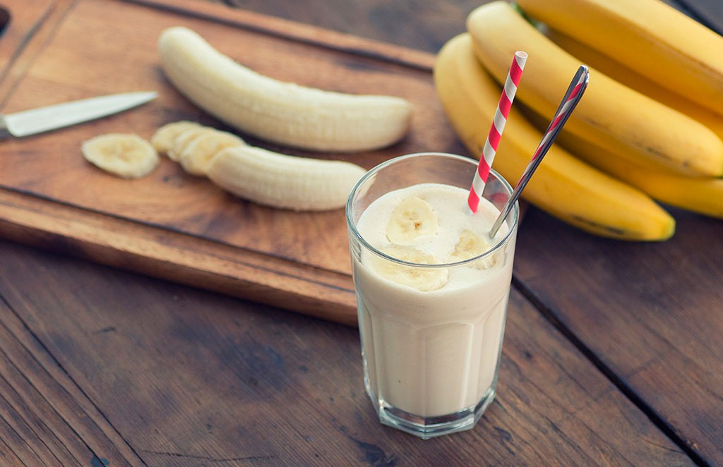 Milk-Banana Cocktail Recipe