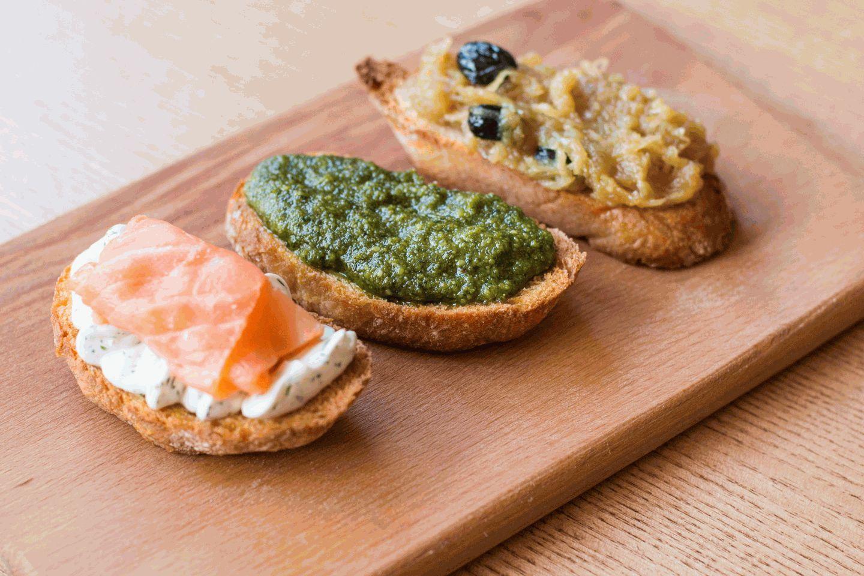 Итальянские мини бутерброды для фуршета фото