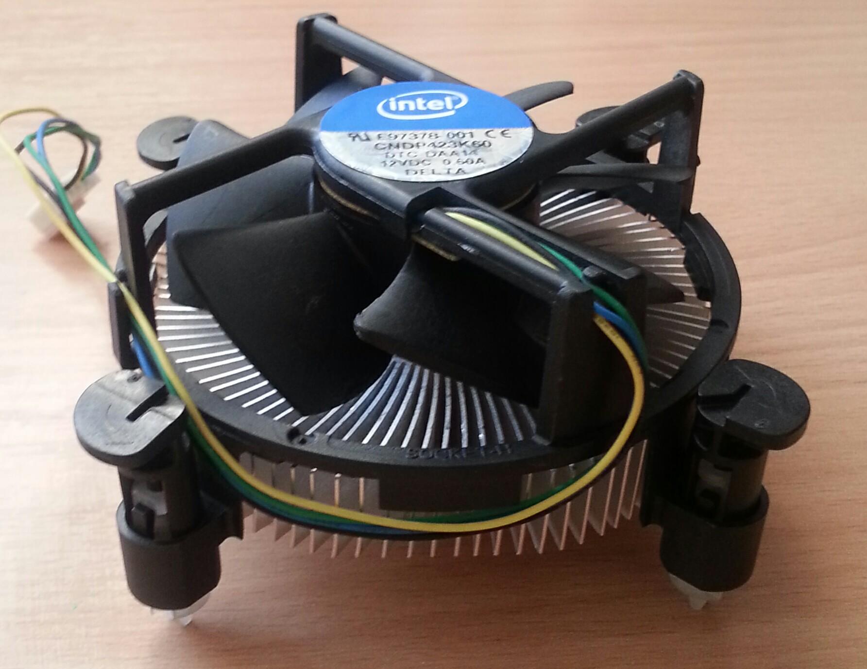 Фото оригинального кулера Intel