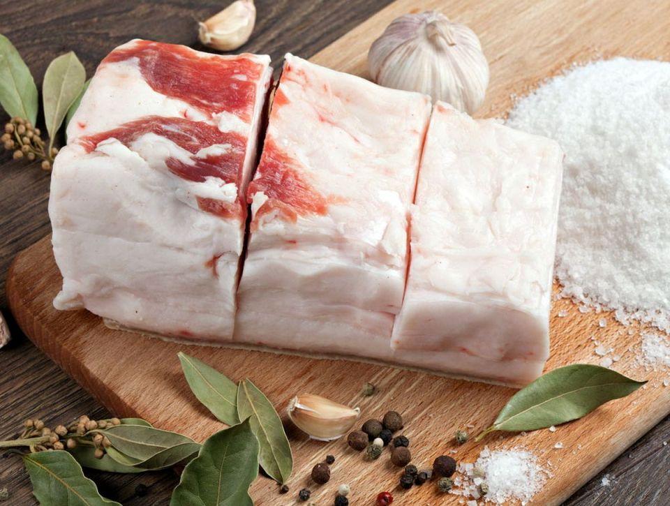 Польза свиного сала для организма человека