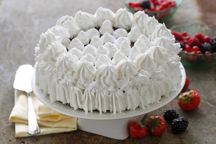 Как украсить торт в домашних условиях взбитыми сливками 41