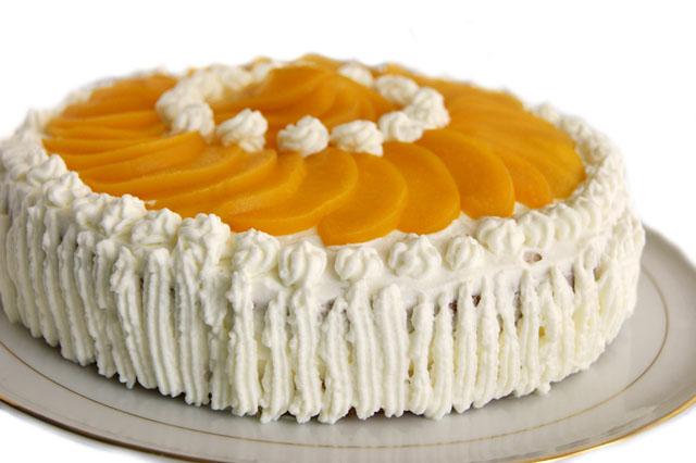 Торт персиковый со взбитыми сливками
