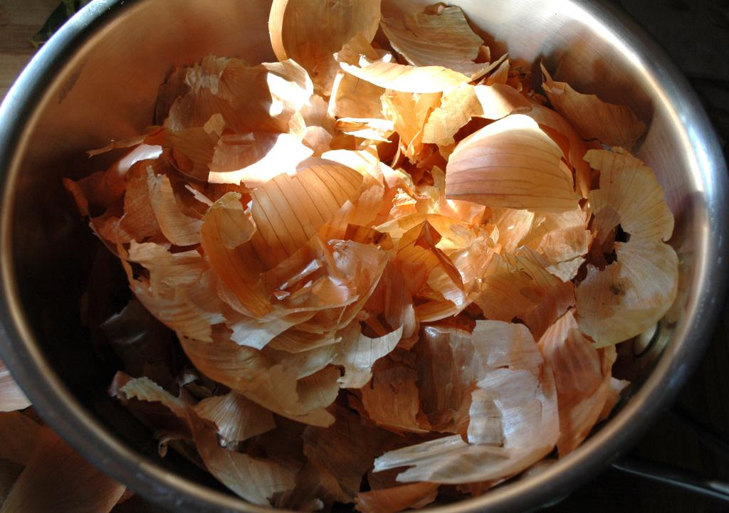 preparation of onion peel for fat