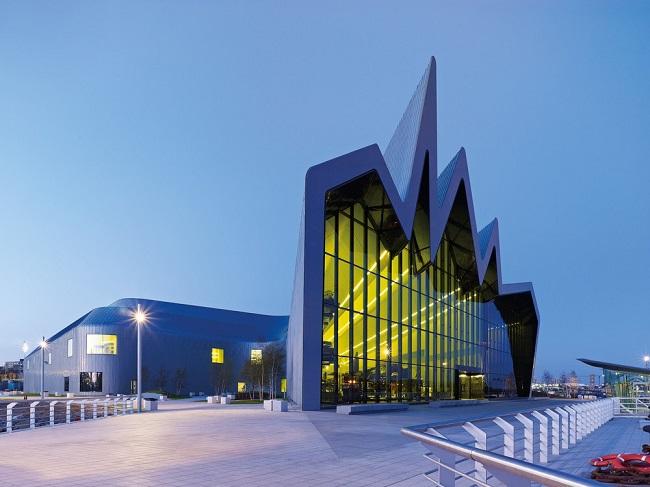 Заха Хадид. Музей транспорта Риверсайд в шотландском Глазго. Великобритания.