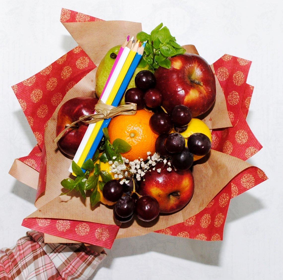 Детский фруктовый букет