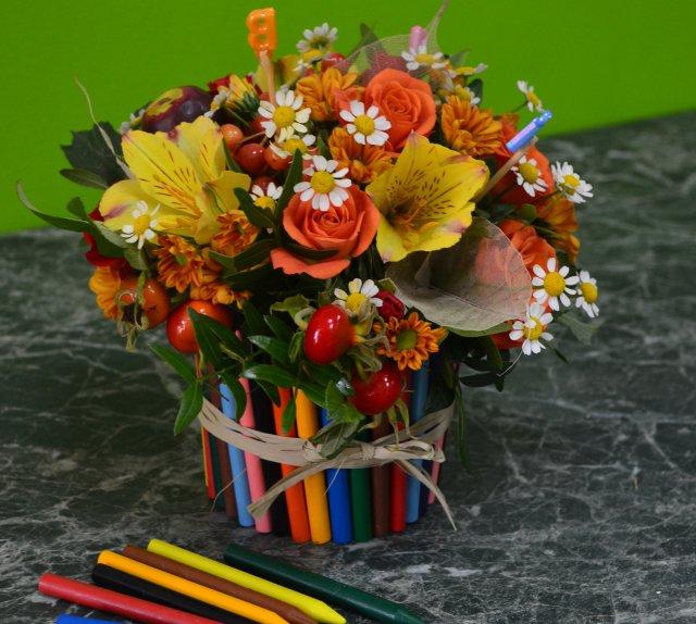 Какие цветы дарят на день учителя