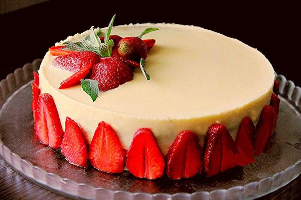 представить оформление торта клубникой и шоколадом фото защите