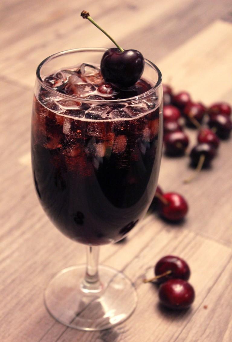 коктейль с ромом Черная Вишня