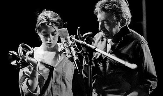 Первый свой диск Шарлотта Генсбур записала при поддержке своего отца