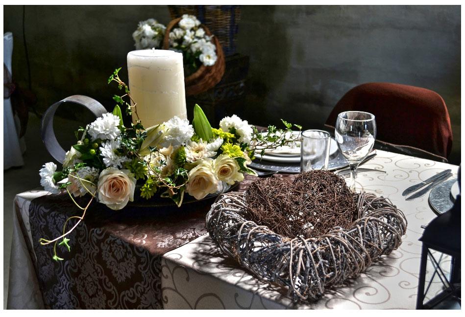 Цветочная композиция для романтического ужина