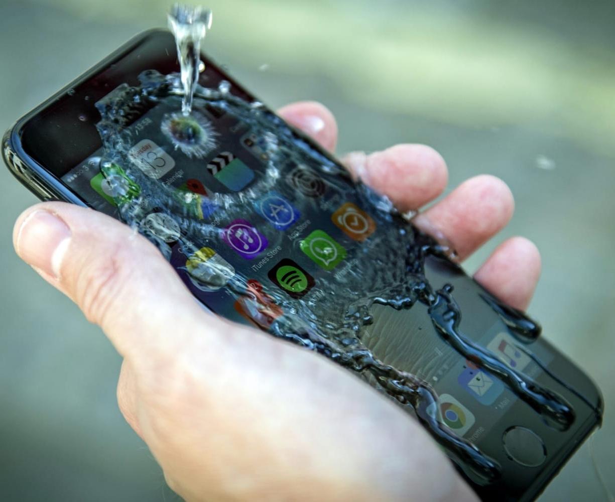 Чем выше показатель IP смартфона, тем практичнее он