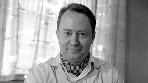 Питер Саллис