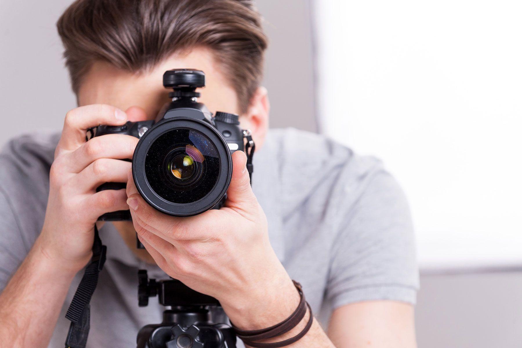 как начать фотографировать на зеркальную камеру сталкиваются