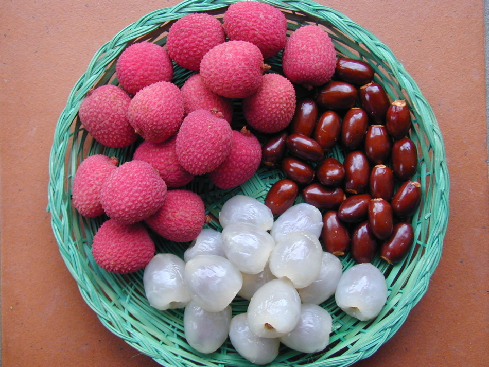 Очищенные ягоды Личи