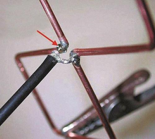 Для изготовления антенны не требуются дорогостоящие материалы