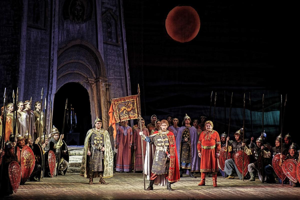 Опера Князь Игорь: Краткое содержание