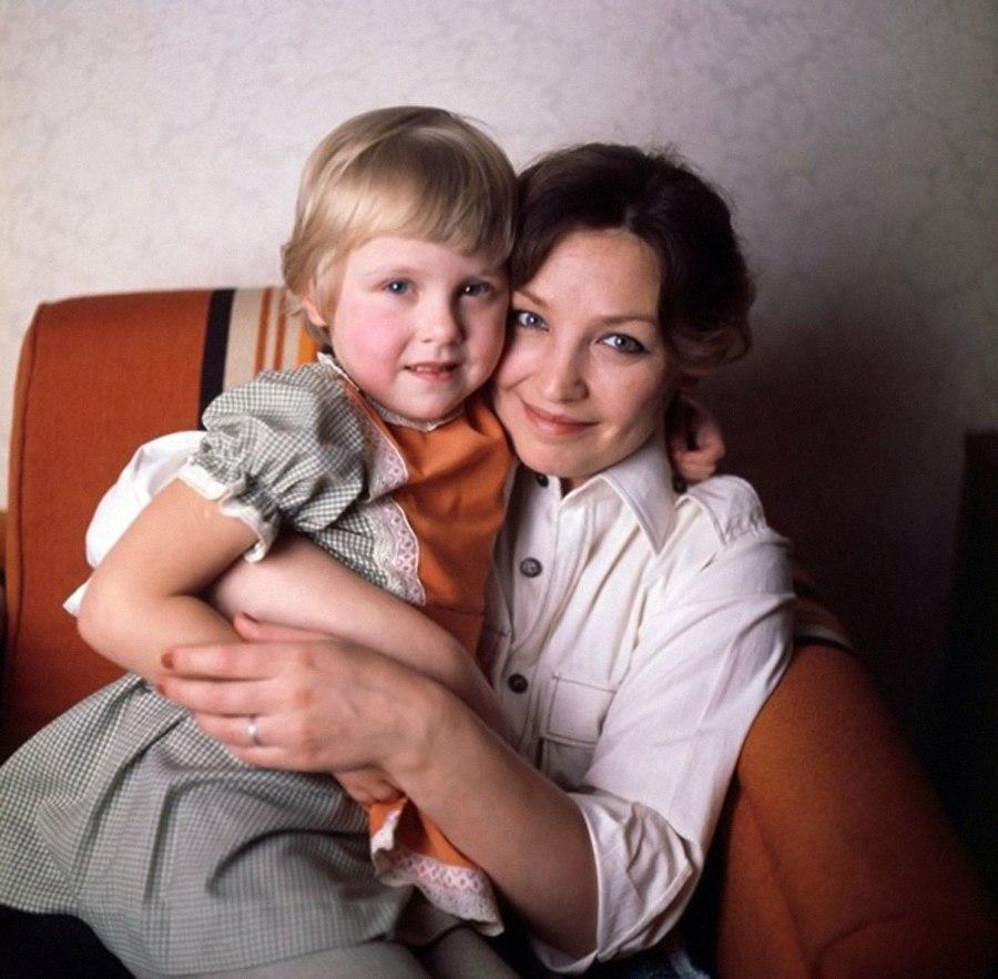 Ольга Остроумова со старшей дочкой