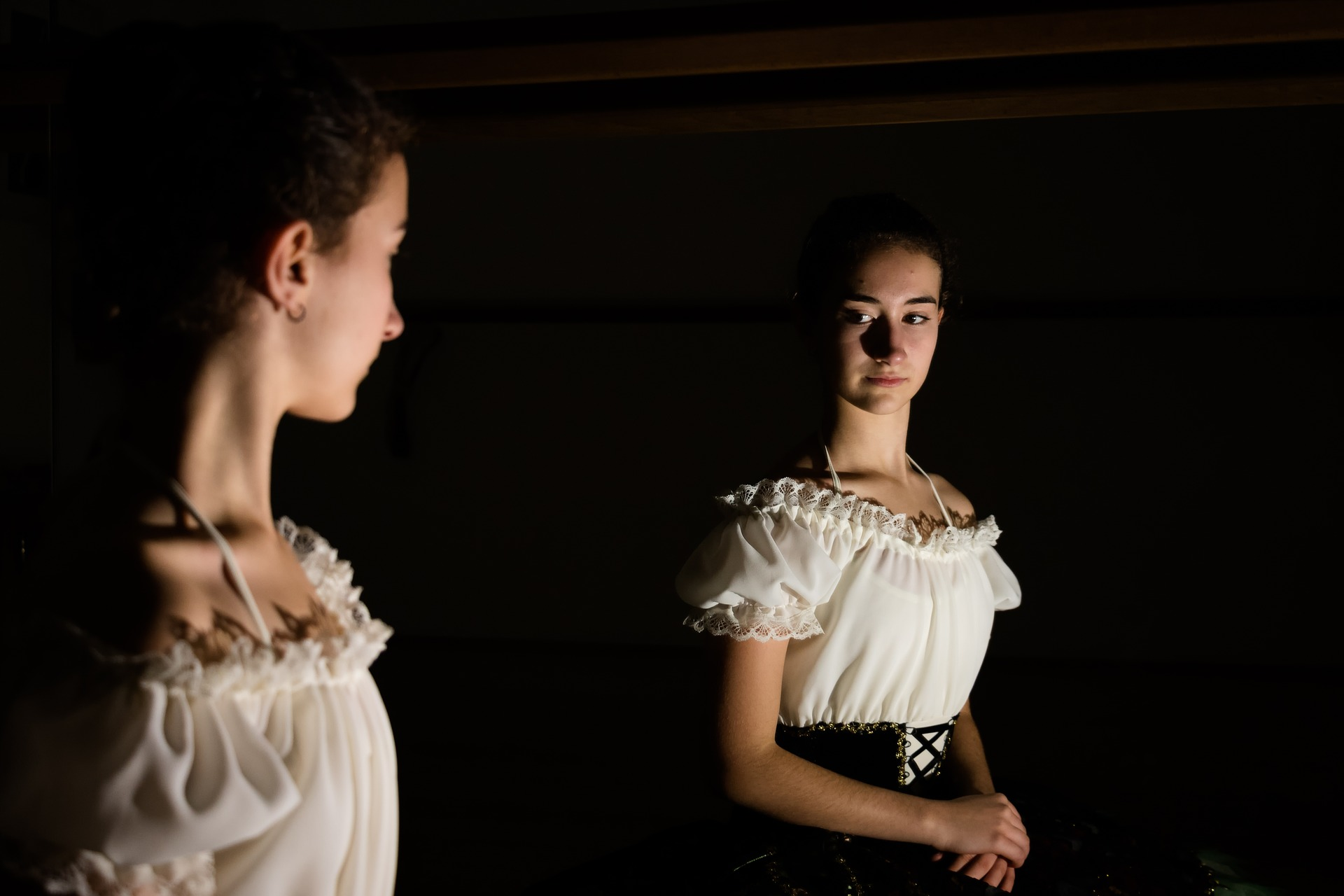 Девочка и ее отражение