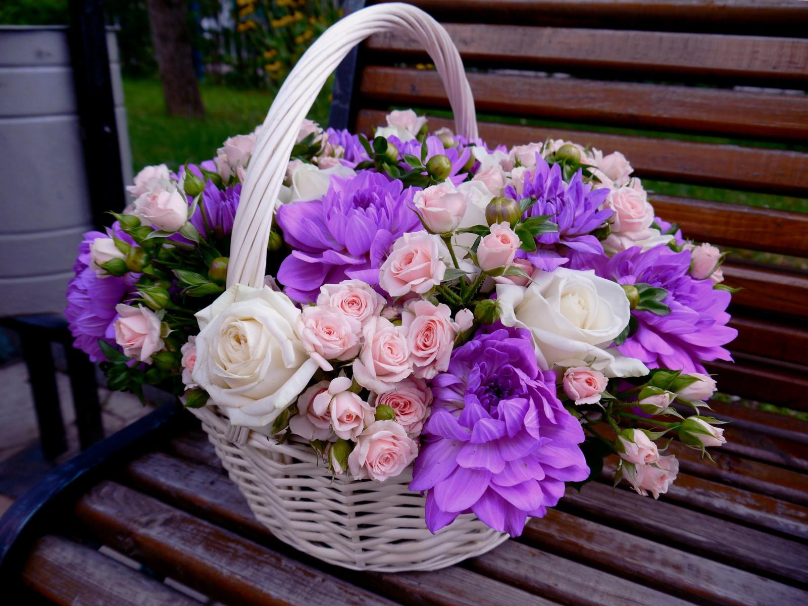 Свадебный букет в корзинке фото