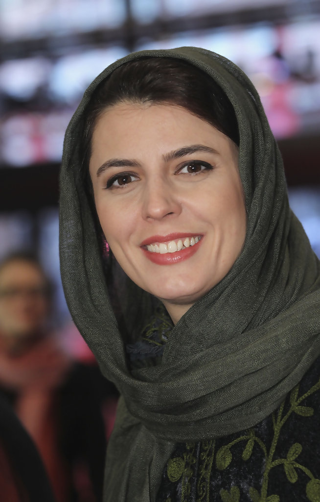 Талантливая актриса всегда находится в хорошем настроении на публике