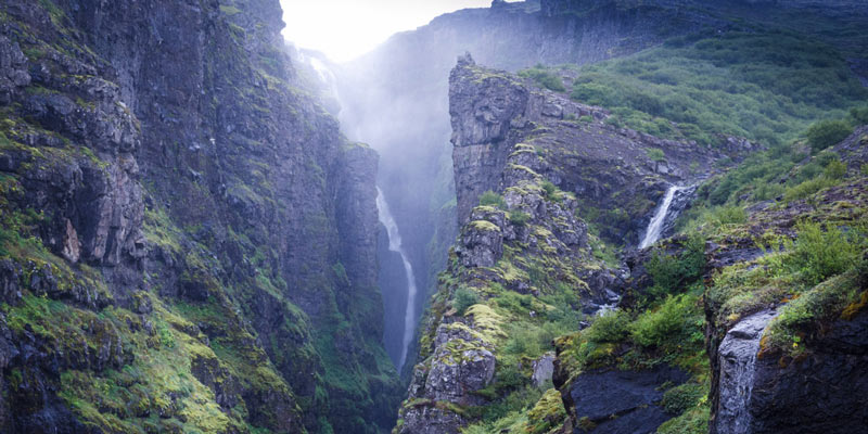 Фото: Þorsteinn (Thor) - https://happycampers.is/blog/iceland/Iceland-Waterfalls