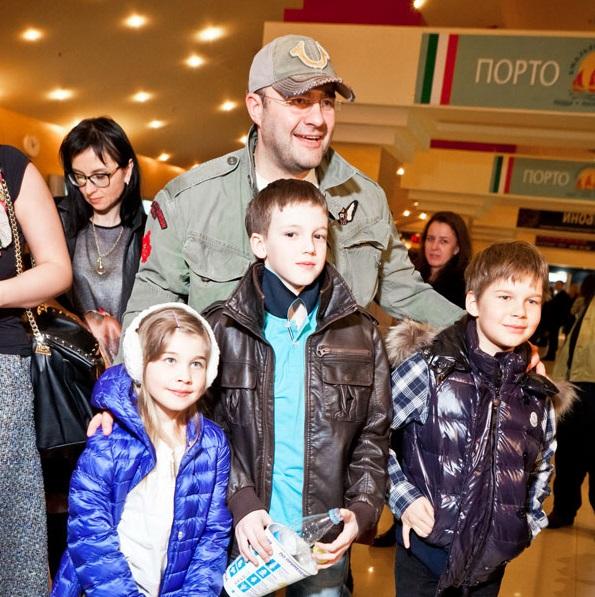 Фото российских актеров со своими детьми