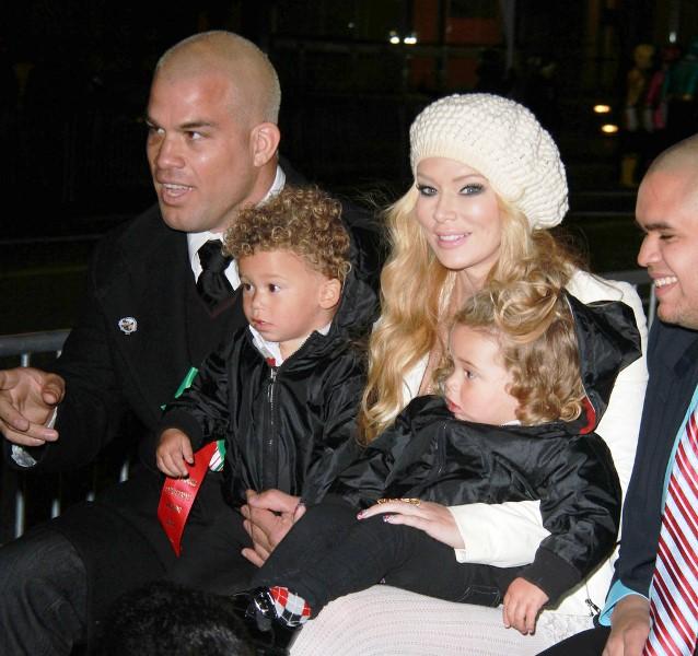 Дженна с мужем и детьми