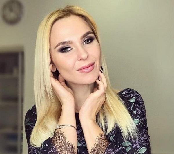 Фолк-рок певица Пелагея