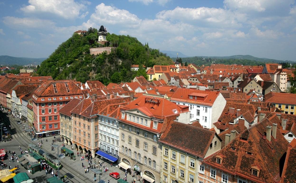 Австрийский город Грац, в котором родился и вырос Адам Райнер