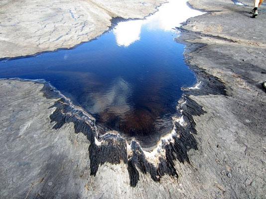 Загадки планеты: асфальтовое озеро Пич-Лейк