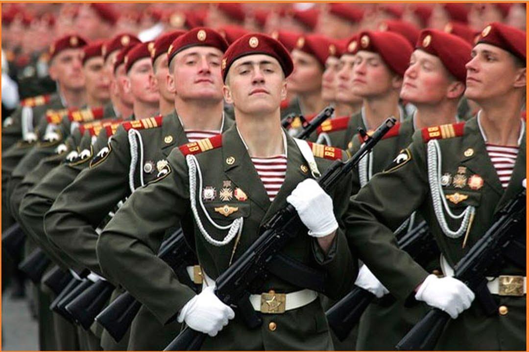 Колонна Внутренних войск на параде