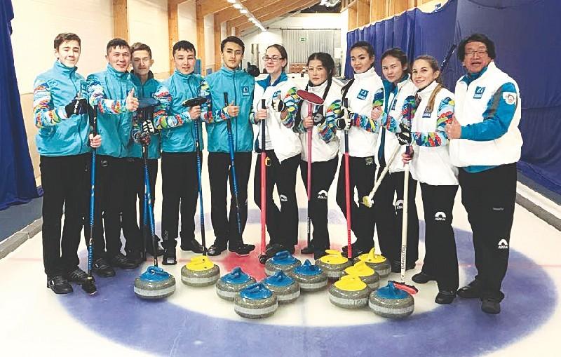 Виктор Ким и сборная Казахстана по керлингу