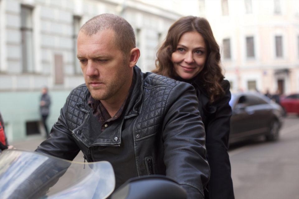 Елена Лядова и Денис Шведов в кинокартине «Измены»