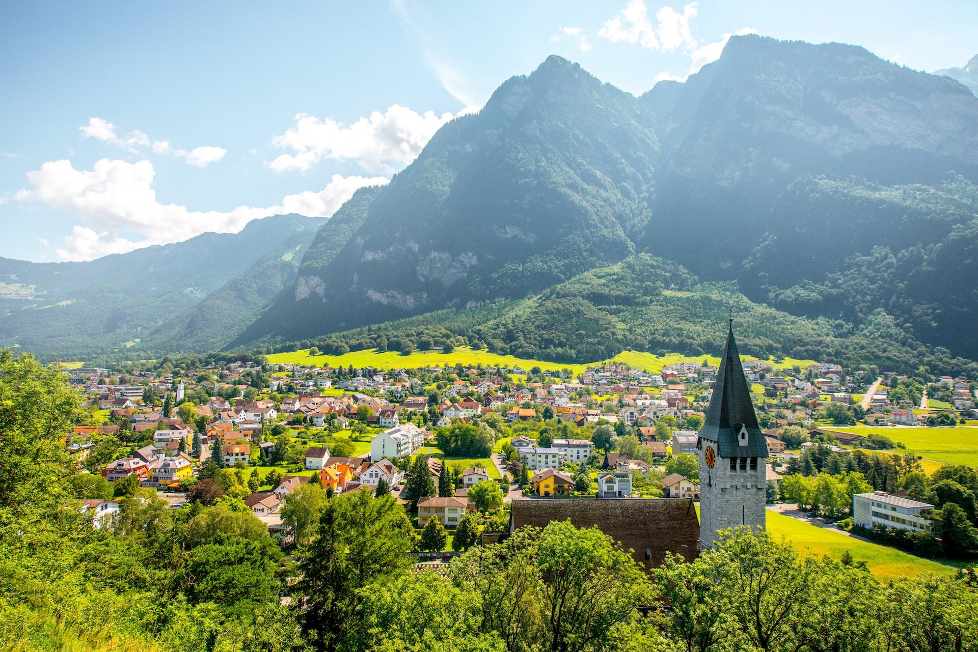 достопримечательности лихтенштейна фото и описание запрос кавычки лотос