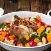 Окорок свиной в духовке с гарниром из овощей и фруктов