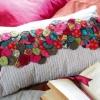 Как украсить подушку своими руками