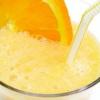 Молочный коктейль с апельсиновым соком и мятой