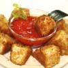 Как приготовить жареный сыр с томатным соусом